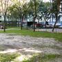 Hiszen a park közepe is kietlen.