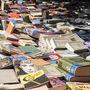 Könyvek, amíg a szem ellát.