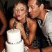 Ez meg az esküvői torta, hiszen mindent megmutat