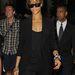Remek dolog kijönni egy plázából - elmélkedik Rihanna