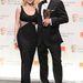 A BAFTA díjátadójára felsliccelt ruhában érkezett