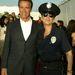 Egy AIDS-alapítvány gáláján 2003-ban Jamie Lee Curtis volt az oldalán