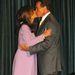 Csókot vált feleségével 2004-ben