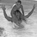Nastassja Kinskivel a vállán pancsol 1976-ban Los Angelesben