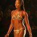 Naomi Campbell 34 évesen egy divatbemutatón