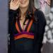 Salma Hayek, eléggé terhesen. Nem fekete zsák, a közepe totál színes.