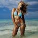 A bikinis fotó Jessica Albáról, amit mindenki tátott szájjal bámul a durva retus ellenére is