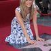 ahogy Jennifer Aniston is.