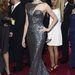 Naomi Wattsot a világsajtó hangosan ünnepli ezért az Armani-ruháért, holott igazából egy merész vonalú szamovárnak öltözött.