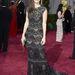 Sandra Bullock Elie Saab Haute Couture ruhája részben átlátszó, viszont mindenhol elég díszes. Nem olyan rossz, de az összkép elég unalmas.