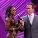 De kinek kell díj, amikor az emberrel Arnold Schwarzenegger beszélget?
