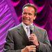Schwarzenegger mosolygósan konferált a testépítő-versenyen, amelyet huszonöt éve alapítottak, és róla neveztek el.