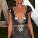 Minnie Driver Oscar szoborra hasonlít csillogó ruhájában, melyet a Vanity Fair által rendezett bulira választott