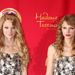 Jobb oldalon Taylor Swift, bal oldalon valakinek a szobra, New Yorkban.