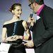 Rákóczi Feri átadja az év modellének járó díjat