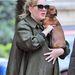 Adele-nek tacskója van