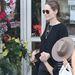 Angelina Jolie bevásárlás közben