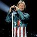 Jon Bon Jovi most, ruhában.