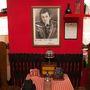 Antal Imre kedvenc éttermében volt az esemény.