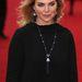 Samantha Womack  énekesnő-színésznőnek a hajába kapaszkodott a szél