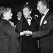 Nevek és nevek: Anne Baxter színésznő, Jean Cocteau francia író-rendező és maga Walt Disney, a történelem talán legnagyobb rajzfilmproducere (1953).