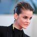 Palvinnak tehát bérelt helye van a vörös szőnyegen, egyrészt mert menő modell, másrészt mert a L'Oréal arca.