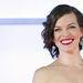 Nos, lássuk, mi is teszi Jovovichot olyan jó nővé? A sokadik Kaptár-film tokiói premierjén bemutatott mosoly?