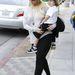 Aguilera 2011 szeptemberében a fiával
