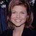 Tiffani Thiessen ő, aki annak idején a Beverly Hilly 90210 vérbő Valerie-jét alakította. Itt körülbelül 20 éves.