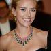 Scarlett Johansson teljesen szemből