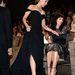 Scarlett Johansson lépeget