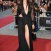 Daisy Lowe brit modell a GQ Men of the Year díjátadón mutatott mellet-lábat.