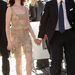 2007-es kép Anne Hathawayről, aki akkor még sötétebb és hosszabb hajjal és brutál fehér bőrrel villogott. Szó szerint.