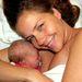 Bálint Antónia volt szépségkirálynő lánya születésnapja alkalmából tette közzé Facebookon augusztus 22-én.
