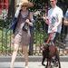 Anne Hathaway tavaly szenvedett el csuklósérülést, ezért volt szüksége a futurisztikus sínre.