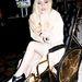 Szintén idén év elején fáradtak el annyira Lady Gaga lábai a folyamatos turnézásban, hogy beadták a kulcsot. Ilyen aranyozott luxuskocsiban járt egy ideig.