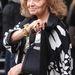 Diane von Furstenberg hű maradt divattervezői munkájához, alig látni a vállrögzítőt.