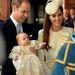 Erzsébet nem először láthatta ezt a palástot (és annak jogelődjét), számos királyi méltóságot nézhetett már végig, amint megkeresztelik benne.