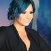 Demi Lovato énekesnőnek nagyon jól áll ez a kék
