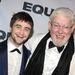 Richard Griffiths 2013. március 28-án halt meg. A Harry Potter-filmek Vernon bácsijaként ismert angol színész egy szívműtét során fellépő komplikációkba halt bele.