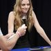 Amanda Seyfried Jimmy Fallon műsorában puffog