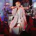 Miley Cyrus még nagyobb terpeszben