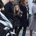 Christian Bale és családja Párizsban turistáskodnak