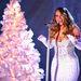 Két héttel később, egy karácsonyi műsor felvételén