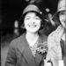 1928-ban, egy évvel a díj előtt, egy vasútállomáson