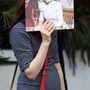 A Sophie Ellis-Bextor kép mögött egyébként Sophie Ellis-Bextor van