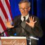 Steven Spielberg megijedt a mikrofonoktól