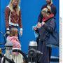 2004 december - Apltrow, Martin, lányuk Apple, és egy nő