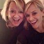 Reese Witherspoon a látszat szerint jól elökörködik az anyjával.