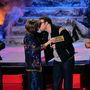 Seth Rogen megcsókol valakit, aki talán az anyja.